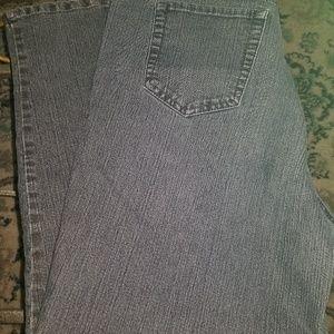 Gloria Vanderbilt Jeans (8 pair).  $8 ea/$60 all